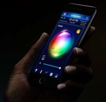 fibaro-fgrgb-101-zwave-micromodule-eclairage-basse-tension-changement-couleur-smartphone